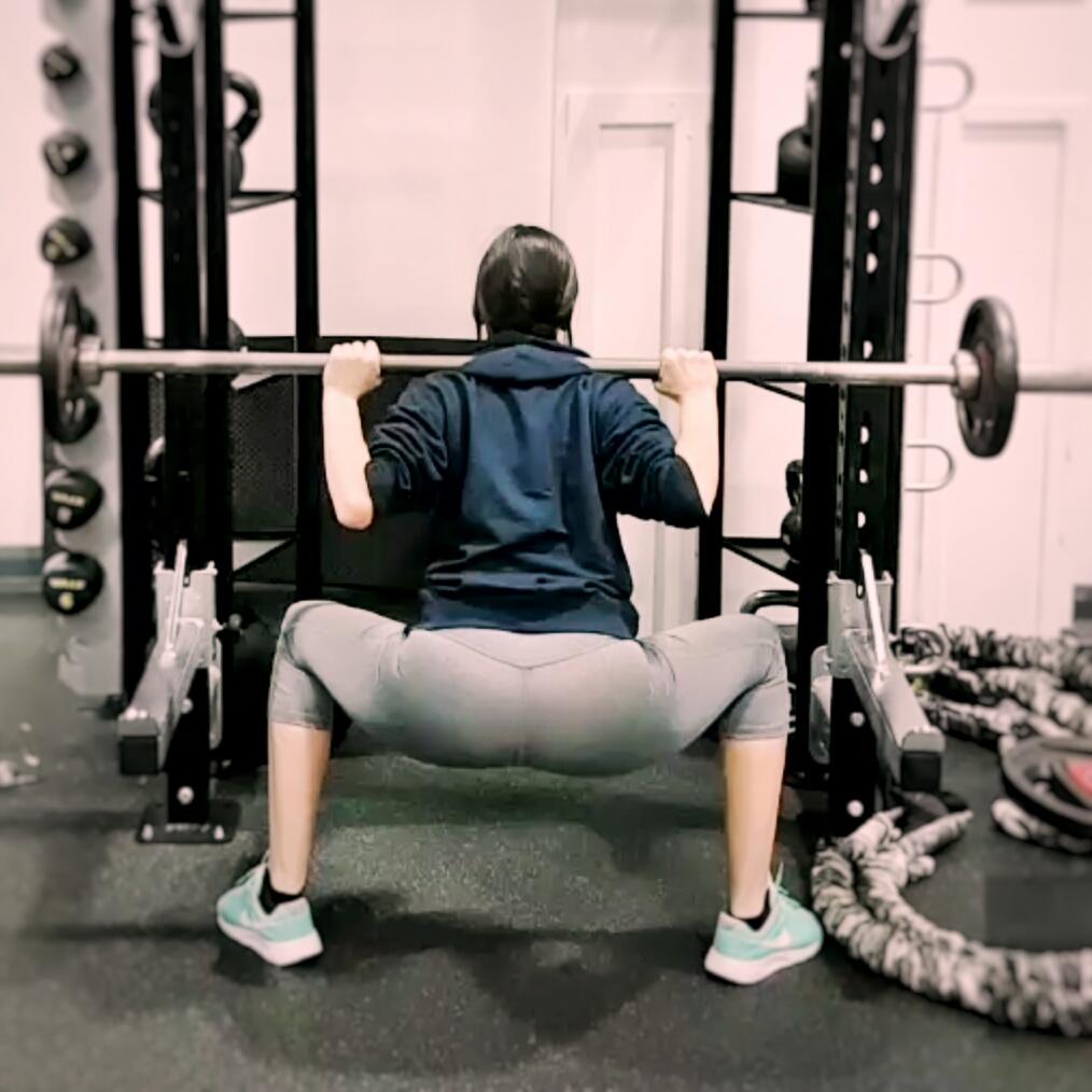 Correct squat form